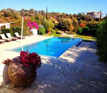 Дом в Пафосе с бассейном