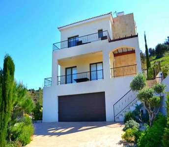 SEA VIEW VILLAS FOR SALE IN PAPHOS