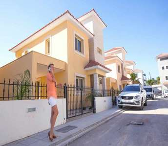 HOME TO BUY IN MOUTAGIAKA LIMASSOL