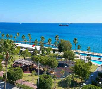SEAFRONT FLAT FOR SALE LIMASSOL